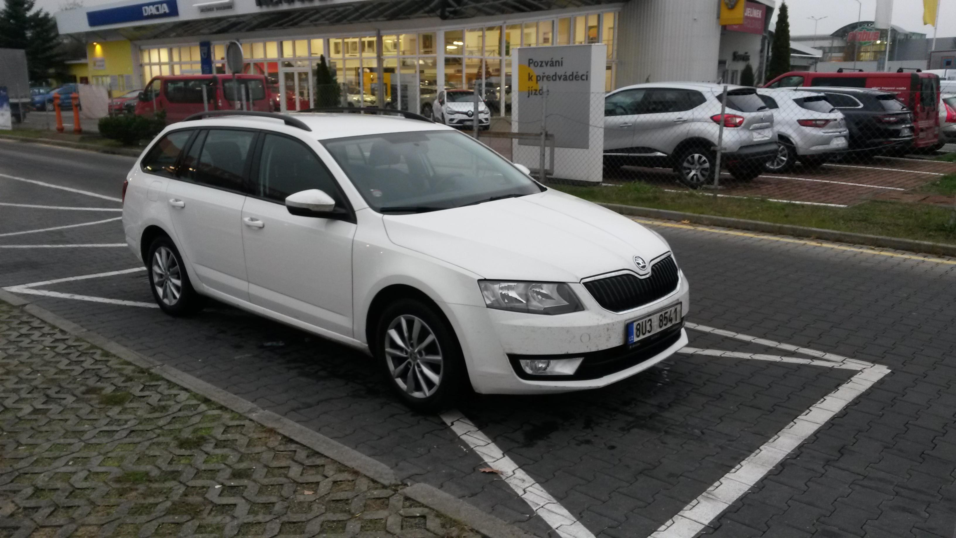Osobní automobil Škoda Octavia POZOR - TATO DRAŽBA JE REALIZOVÁNA NA www.prodej-drazbou.cz